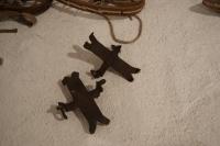 Gozdarski ročno kovani krampeži, ki so jih uporabljali tudi turni smučarji in planinci.