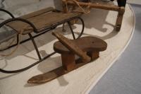 Pležuh, ljudski smučarski bob iz začetka 19. stoletja iz Selnice ob Dravi, ki se je razširil po Štajerski.